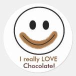 """¡Cara sonriente del chocolate """"AMO realmente el Pegatina Redonda"""