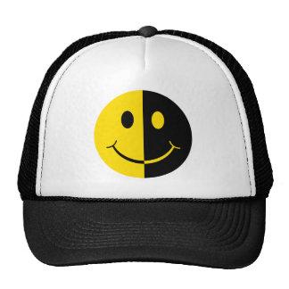 Cara sonriente doble gorra