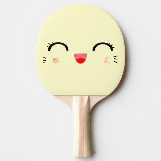 cara sonriente feliz del dibujo animado lindo del pala de tenis de mesa