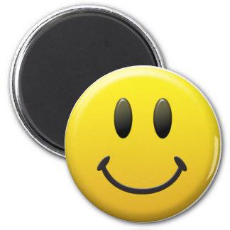 Cara sonriente feliz imán redondo 5 cm