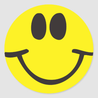 Cara sonriente feliz pegatina redonda
