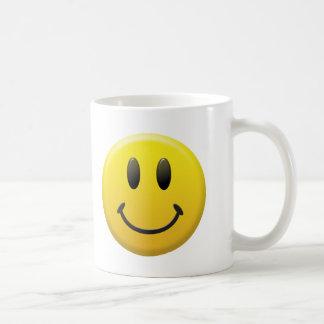 Cara sonriente feliz taza básica blanca