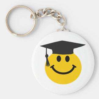 Cara sonriente graduada con el gorra de la graduac llaveros