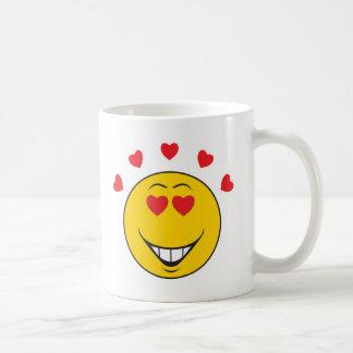 Cara sonriente pegada amor taza básica blanca