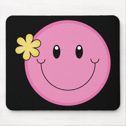 Cara sonriente rosada mouse pad