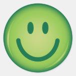 Cara sonriente sonriente verde feliz etiqueta redonda