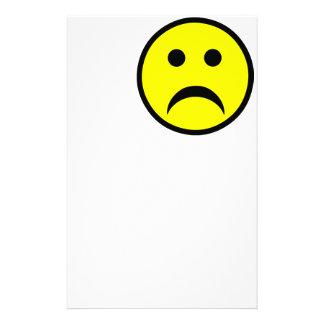 Cara sonriente triste papeleria