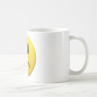 Cara sonriente triste taza