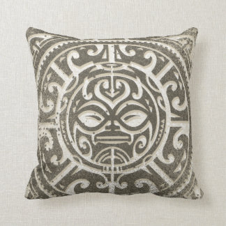 Cara tribal polinesia Brown Cojín Decorativo