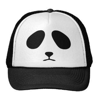 Cara triste de la panda gorra