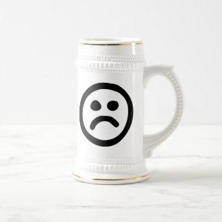 Cara triste jarra de cerveza
