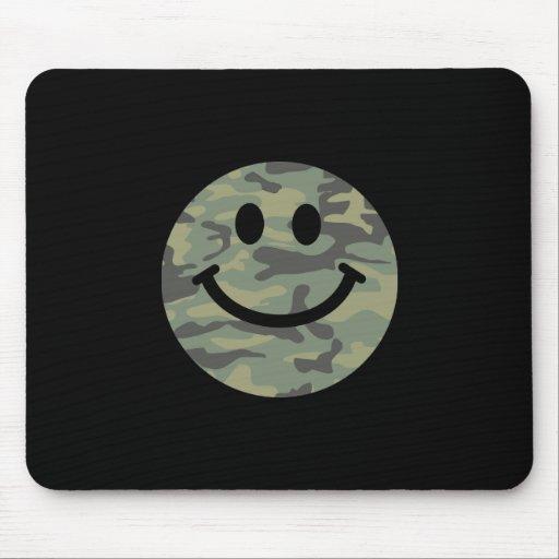 Cara verde del smiley de Camo Tapete De Raton