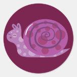 Caracol manchado púrpura etiqueta redonda