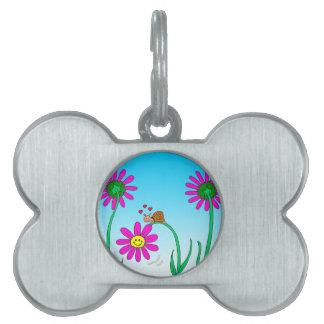 caracol romántico 763 con la flor placa de mascota
