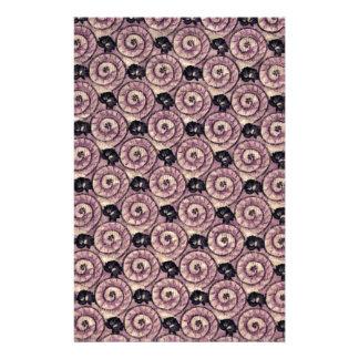 Caracoles y púrpura de color de malva de las  papeleria