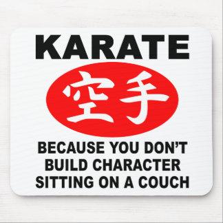 Carácter del karate alfombrillas de ratón