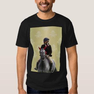 Carácter divertido del jinete del caballo camisas