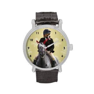Carácter divertido del jinete del caballo relojes