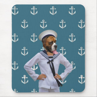 Carácter divertido del perro del marinero alfombrilla de ratones
