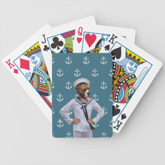 Carácter divertido del perro del marinero baraja cartas de poker