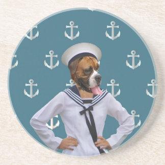 Carácter divertido del perro del marinero posavasos manualidades