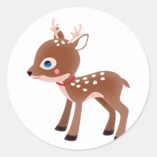 Carácter lindo de los ciervos del reno pegatina redonda