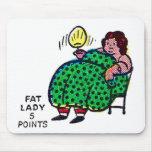 Carácter retro 'Lady gordo del acto secundario del Tapetes De Raton
