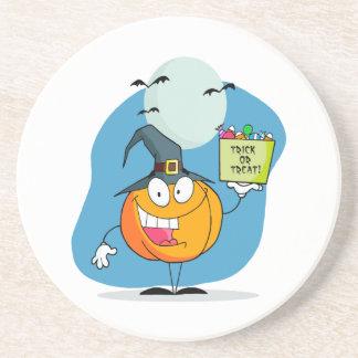 carácter tonto de la calabaza de Halloween del tru Posavasos Cerveza