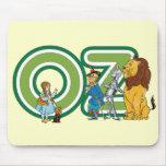 Caracteres y letras de mago de Oz del vintage Tapete De Raton