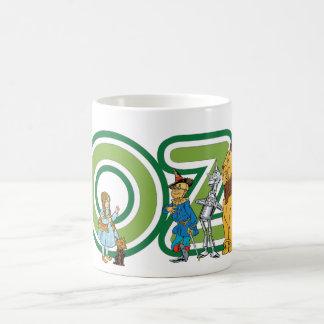 Caracteres y letras de mago de Oz del vintage Taza Básica Blanca