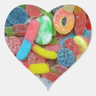 Caramelo cauchutoso clasificado colorido pegatina en forma de corazón