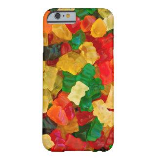 Caramelo coloreado arco iris gomoso del oso funda para iPhone 6 barely there
