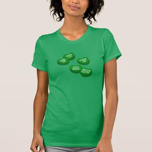 Caramelo divertido de los corazones de la conversa camiseta