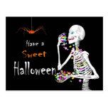 Caramelo esquelético de la consumición Halloween Postales