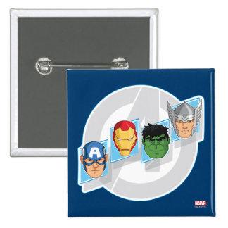 Caras del carácter de vengadores sobre logotipo pin cuadrado