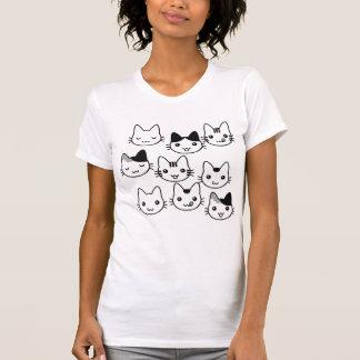 ¡Caras del gatito por todas partes!!! T-shirt