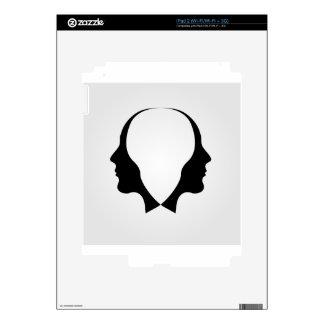 Caras del hombre en la dirección opuesta skin para el iPad 2