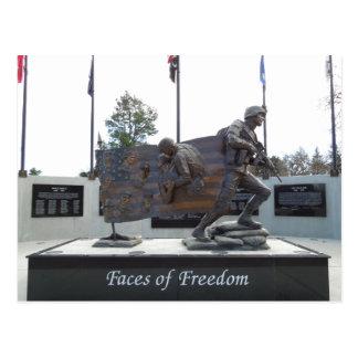Caras del monumento de los veteranos de la postales