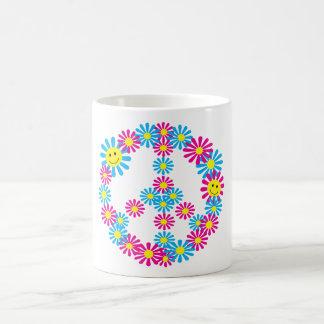 Caras del signo de la paz w Smiley de la flor Taza