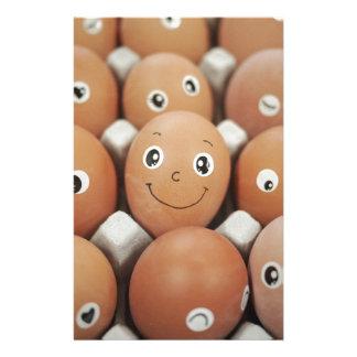 Caras divertidas del huevo - impresión de la papeleria personalizada