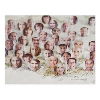 Caras sobre un mapa de América Tarjeta Postal