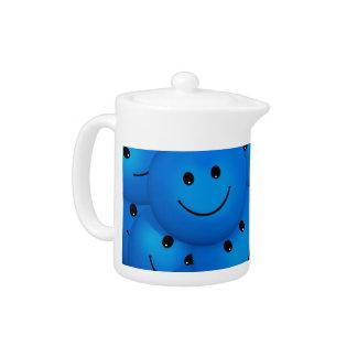 Caras sonrientes azules felices frescas de la