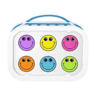 Caras sonrientes coloridas