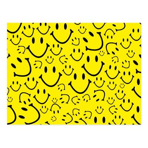 Caras sonrientes felices postal