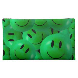 Caras sonrientes verdes felices frescas de la