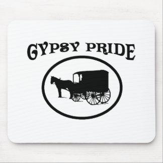 Caravana negra y blanca del orgullo gitano alfombrillas de raton