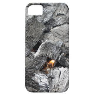 Carbón de leña ardiente que fuma iPhone 5 carcasas