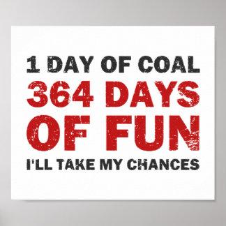 Carbón del navidad CONTRA 364 días de diversión Póster