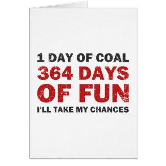 Carbón del navidad CONTRA 364 días de diversión Tarjeta De Felicitación