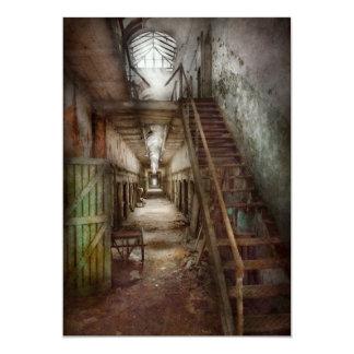 """Cárcel - abajo de un pasillo solo invitación 5"""" x 7"""""""
